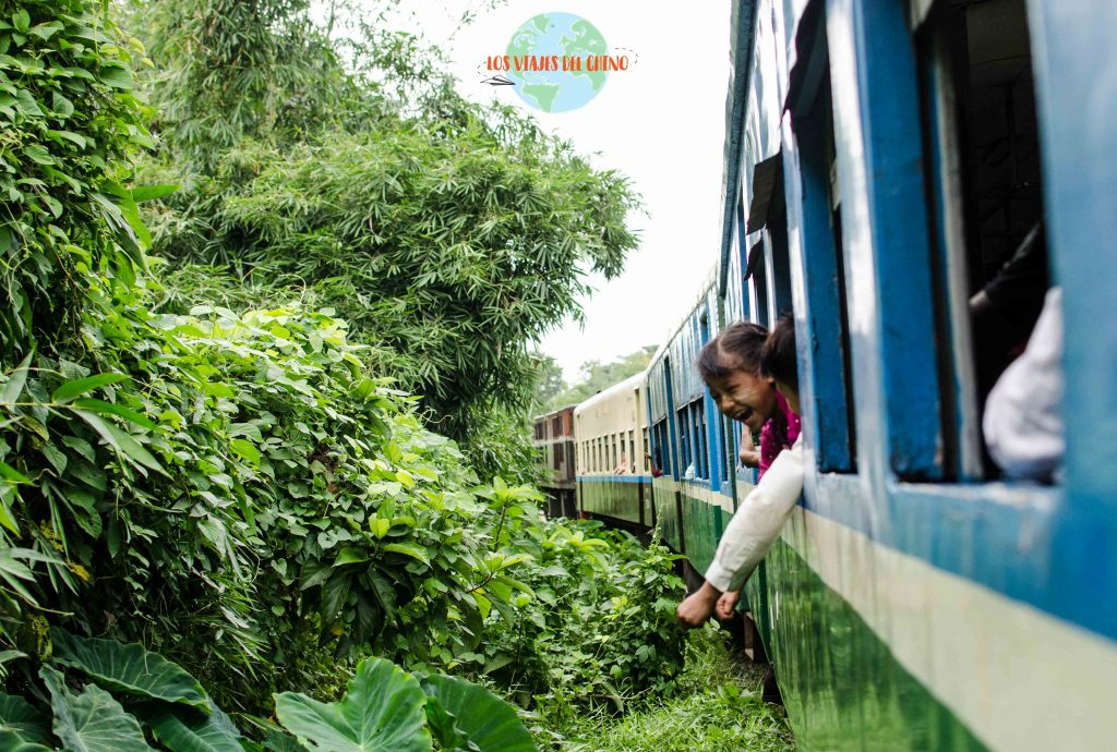recorrido en tren de Yangón