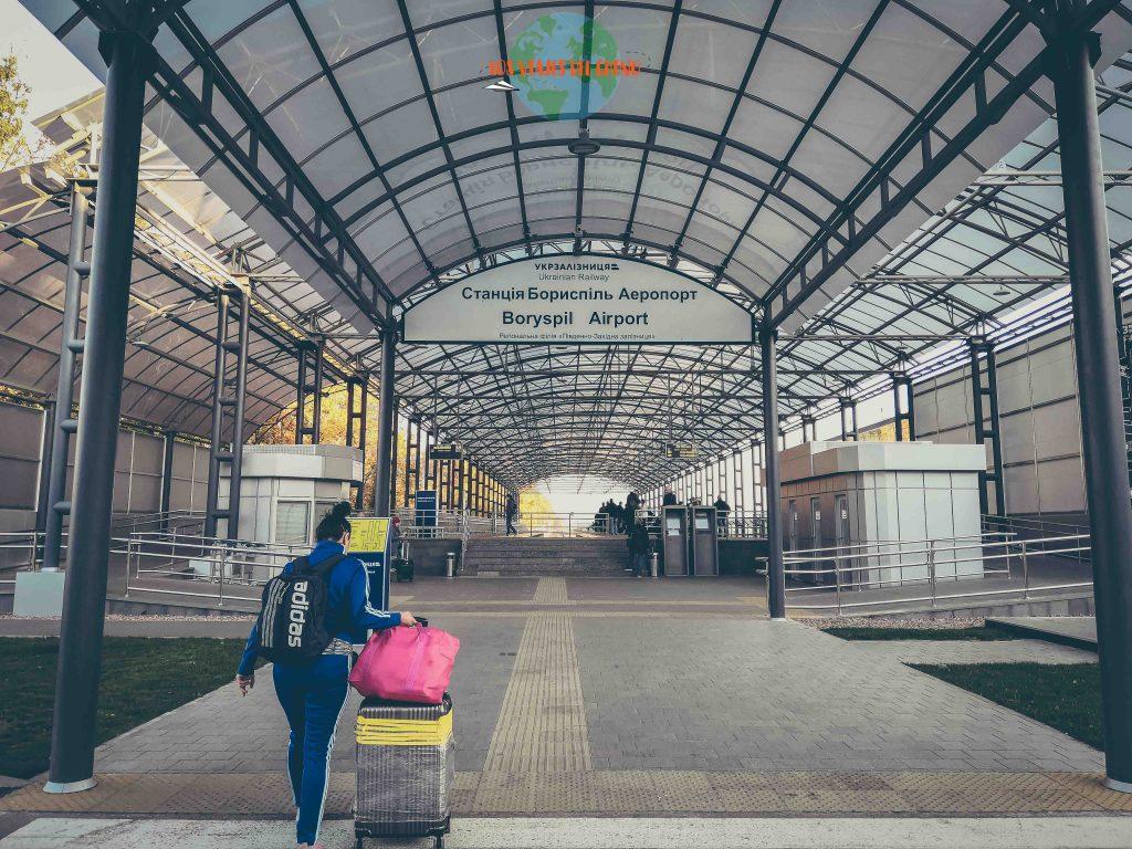 desde el aeropuerto al centro de la capital de Ucrania
