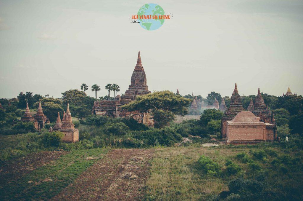 Recorrer Bagan en moto